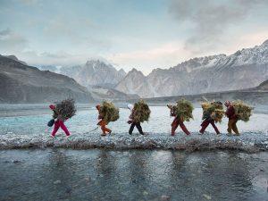 wakhi-women-food-pakistan-paley_86775_990x742 (1)